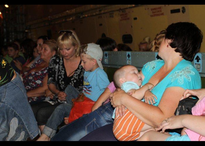 Более 200 беженцев доставлены в Минеральные Воды и Ставрополье