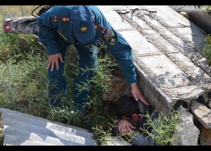 В Севастополе прошли учения спасателей и кинологов