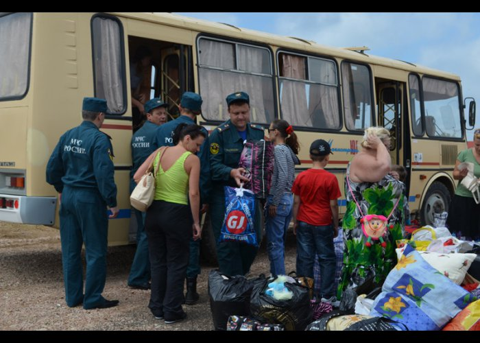 В Севастополе пункт временного размещения принял первых переселенцев