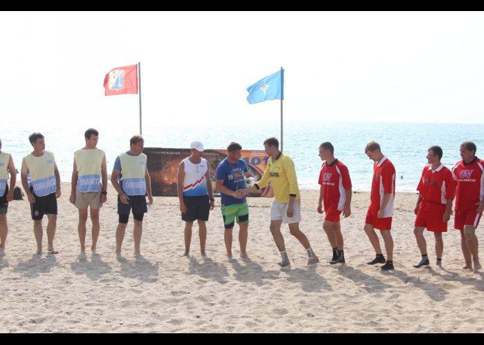 На молодежном форуме в Севастополе прошли соревнования среди спасателей