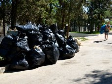 Мусор, В Севастополе собрали 90 мешков с мусором