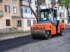 В Симферополе ремонтируют дорогу на улице Семашко