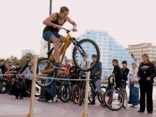 велосипед, В Севастополе велошоу собрало больше 100 участников