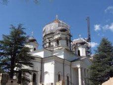 В Александро-Невском соборе начнут постоянные богослужения
