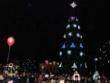 Городская елка, Во всех районах Севастополя зажгут новогодние елки
