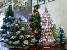 Новый год, В Севастополе завершился конкурс искусственных елей