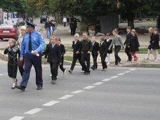 В Алуште ГАИ предупреждает школьников о безопасности на дорогах во время каникул
