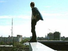 Суицид, В Евпатории спасатели уговорили мужчину не прыгать с крыши