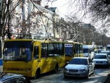 Остановка, Власти Симферополя наведут порядок на остановке маршруток на железнодорожном вокзале