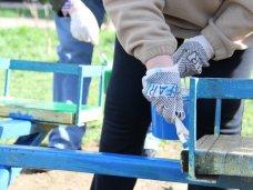 Субботник, В Крыму провели субботник по благоустройству детских площадок