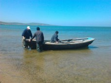 В Восточном Крыму в море унесло трех рыбаков