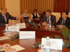 Регистрация земельных участков, Премьер Крыма вручил разрешения на разработку земельных участков в Симферополе