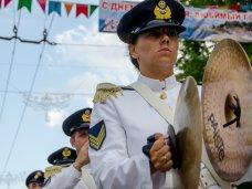 Фестиваль военных оркестров, В Севастополь приехали военные оркестры из 6 стран