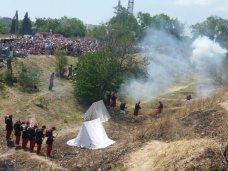 Военно-историческая реконструкция, В реконструкции боя Крымской войны задействуют свыше ста человек