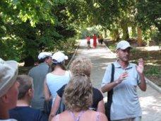 В Ялте больше всего в Крыму экскурсоводов