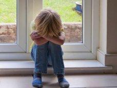 Происшествие, В Симферополе женщина пыталась выбросить из окна собственных детей
