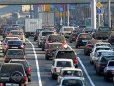 В пик сезона по ялтинской трассе проходит более 50 тыс. машин в день