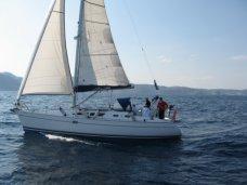 В Крыму иностранная яхта незаконно катала туристов по ЮБК