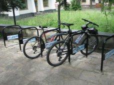 В Евпатории проходит акция «Установи велопарковку»
