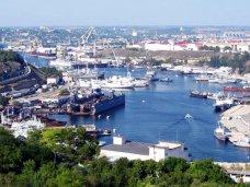 Происшествие, В Севастополе турецкое судно взяло в заложники экоинспекторов