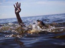 Утонул, Пожилой россиянин чуть не утонул в Коктебеле