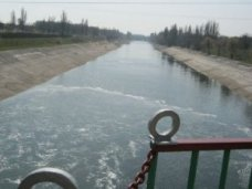 Северо-Крымский канал, В Крым из-за долгов прекратили подачу днепровской воды