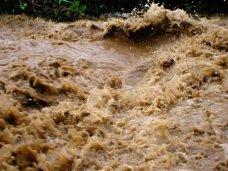Оползень, На трассе возле Ялты сошел селевой поток