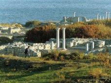 незаконное строительство, При незаконном строительстве на территории Херсонеса повредили часть некрополя