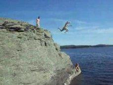 Происшествие, В Ялте киевлянин травмировал позвоночник, неудачно прыгнув в море