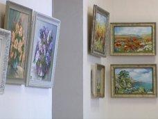 Выставка, В Севастополе открылась выставка «Мир красок»
