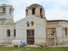 деревня Лаки, В Бахчисарайском районе реставрируют разрушенный храм