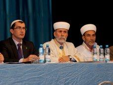 Муфтият, ДУМК, Мусульмане Крыма решили не менять своего муфтия