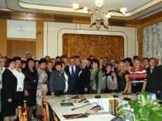 День образования, В крымском парламенте поздравили работников образования