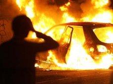 Пожар, За сутки в Крыму сгорели два автомобиля
