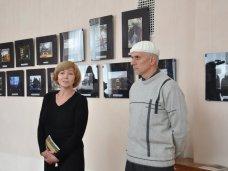 Выставка, В Симферополе представили выставку «Январь в Японии»