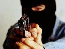Ограбление, В Севастополе вооруженные преступники ограбили заправку