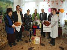 юбилей, Жительницу Симферополя поздравили со 100-летним юбилеем