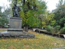 Вандализм, Из-за вандализма в симферопольском парке Тренева усилят охрану