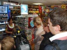 Алкоголь, В Крыму предприниматели оштрафованы за продажу алкоголя и табака подросткам  на 189 тыс. грн.