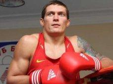 Усик, Крымский боксер Александр Усик выйдет на ринг против мексиканца