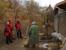 Происшествие, В Алуште спасатели достали тело рабочего со дна колодца
