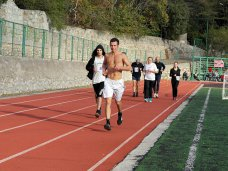 Забег, В Ялте состоялся шестичасовой марафон