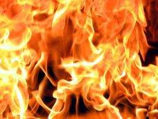 Пожар, Ночью в Симферополе сгорел торговый центр