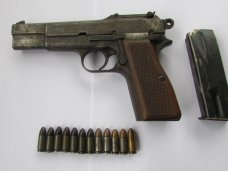Оружие, В Алуште женщина принесла в милицию ружье и пистолет