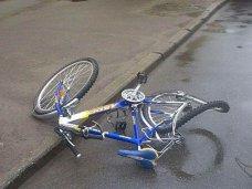 ДТП, На севере Крыма автомобиль сбил пожилую велосипедистку