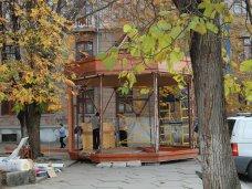 фото дня, Коффишка, В Симферополе устанавливают похожее на «Коффишку» кафе