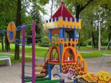 Детский сад, В двух детсадах Бахчисарая установили новые игровые площадки