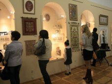 Выставка, В Симферополе открылась выставка элементов крымскотатарской культуры