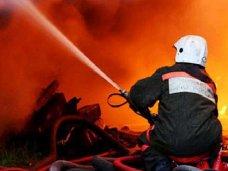 Пожар, В Сакском районе горел коттеджный поселок