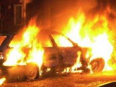 Пожар, Ночью в Симферополе сгорел «Мерседес»